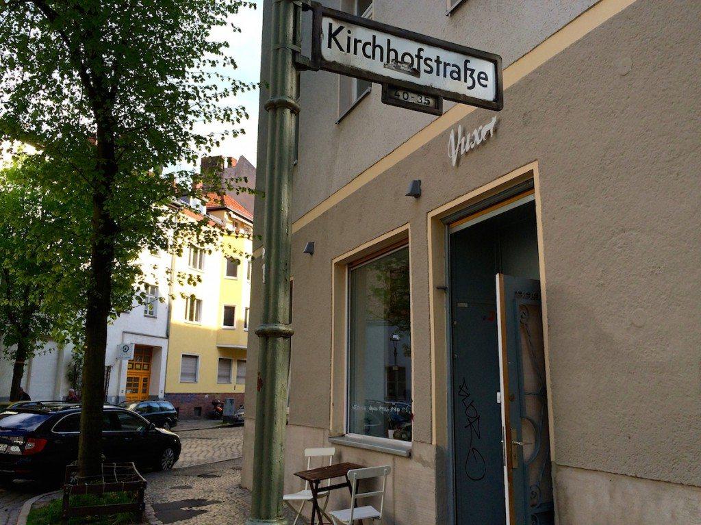 eingang-aussen-cafe-vux-berlin