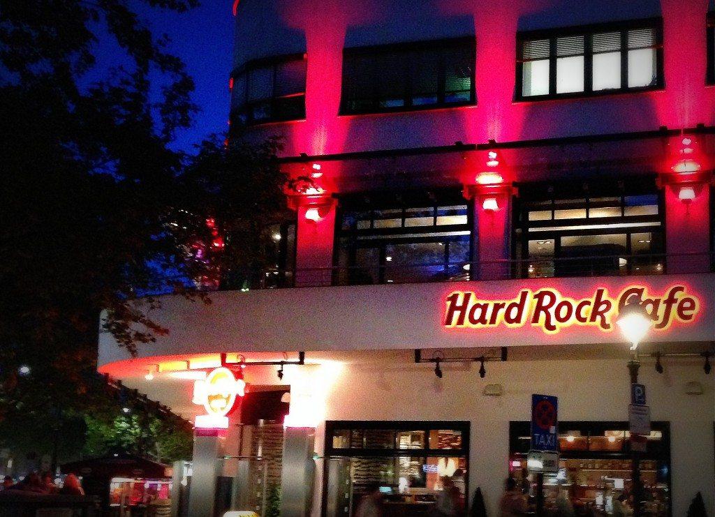 Berlin-Burger-Hard-Rock-Cafe-Kudamm