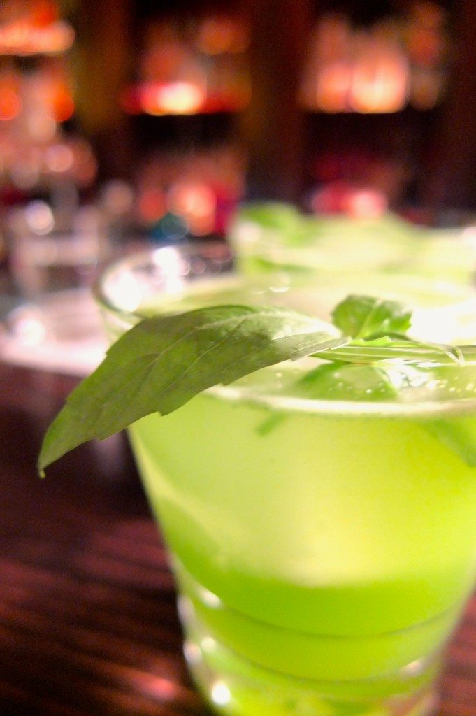 limonadier-kreuzberg-berlin-drink-gin-basil-smash
