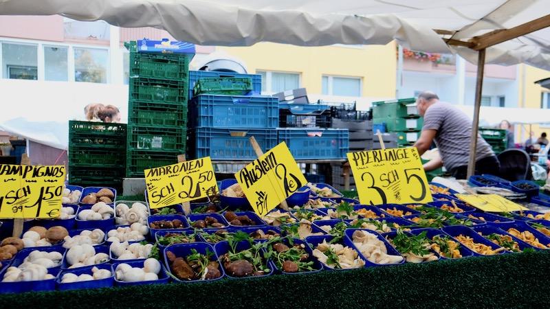 Pilze auf dem Türkenmarkt aka. Wochenmarkt am Maybachufer in Berlin Kreuzberg