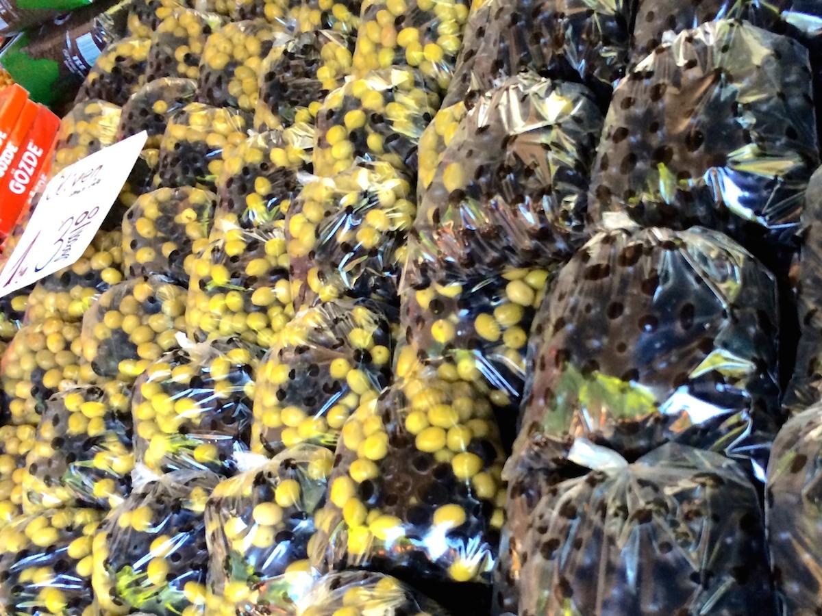 tuerkenmarkt-berlin-kreuzberg-oliven