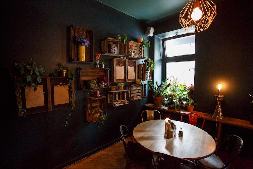 berlin-restaurants-akemi-einrichtung-4