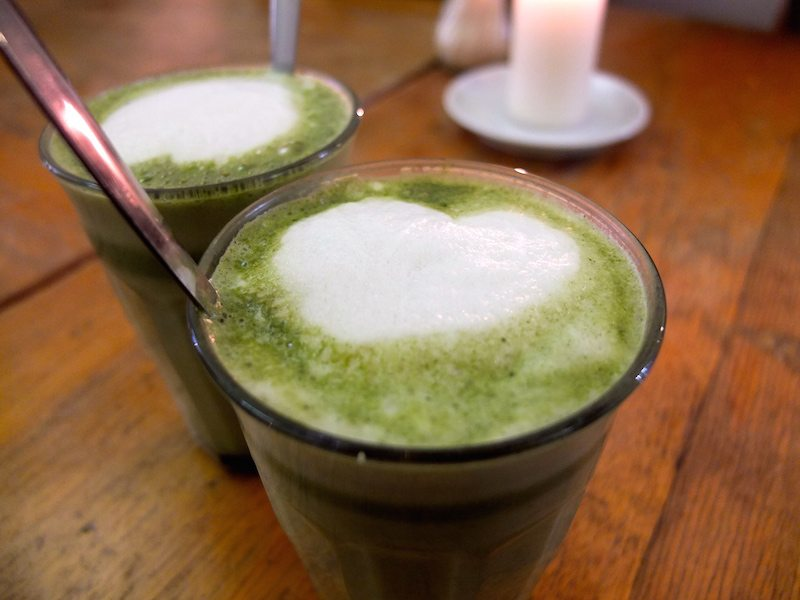 berlin-cafe-nothaft-seidel-matcha-latte