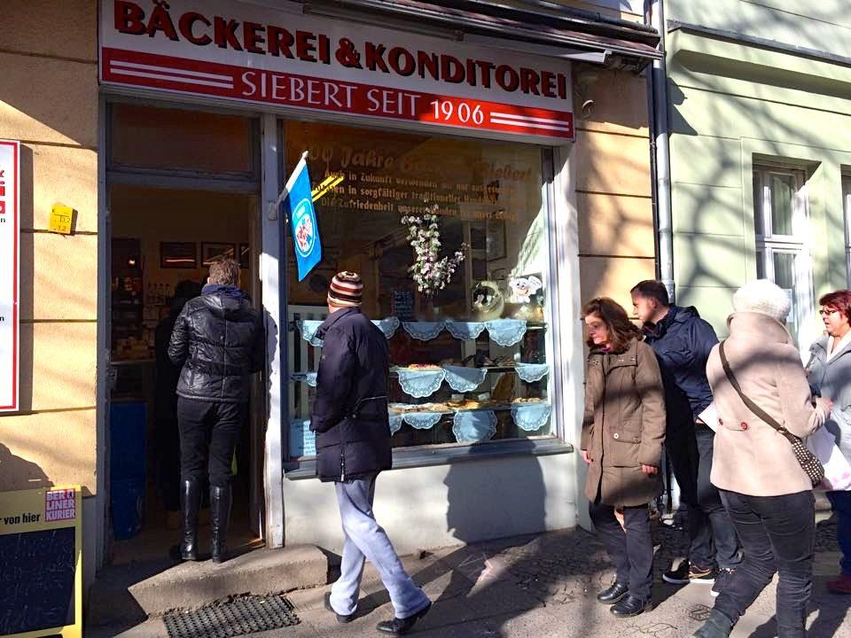 berlin-baeckerei-siebert-schlange