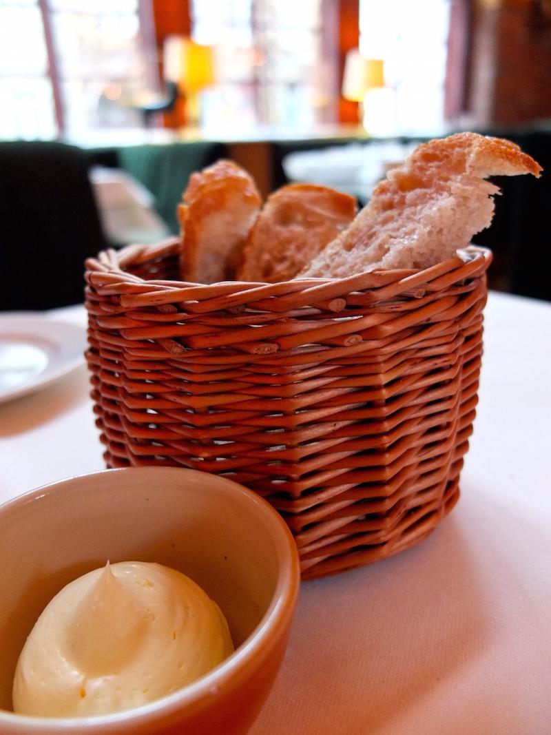 berlin-restaurants-pauly-saal-brotkorb