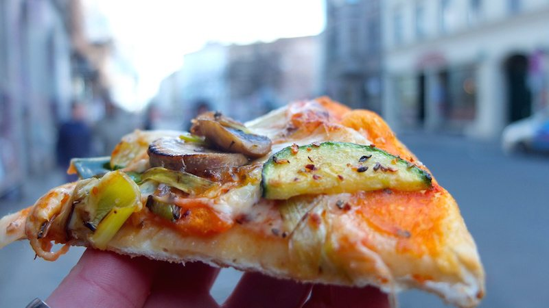 berlin-kreuzberg-eat-the-world-tour-pizza