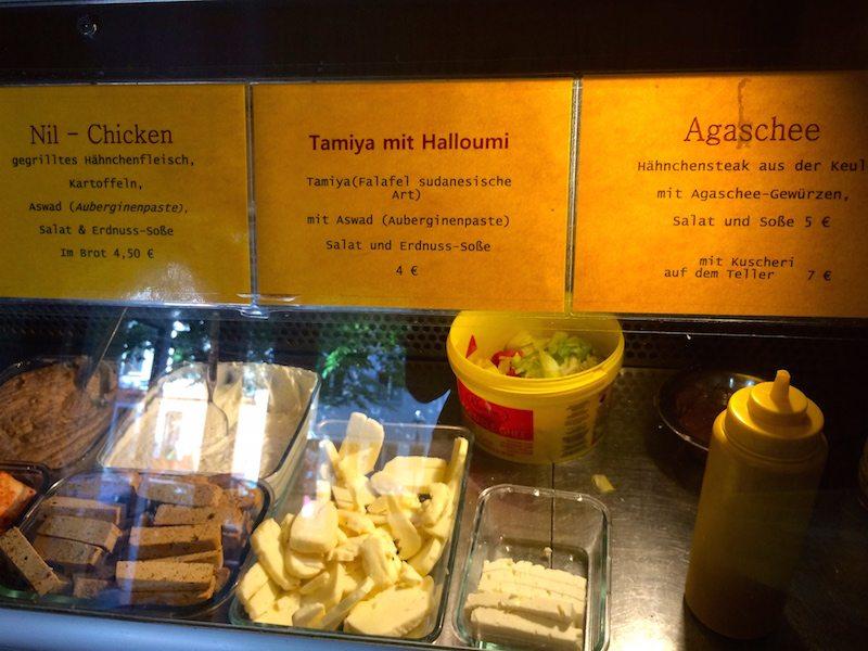 berlin-auf-die-hand-nil-imbiss-essen