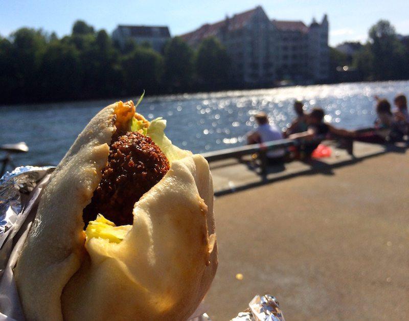 berlin-auf-die-hand-nil-imbiss-faladel-vegan-2