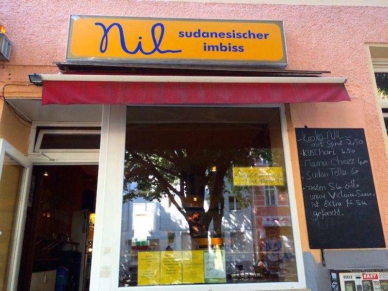 berlin-auf-die-hand-nil-imbiss-laden