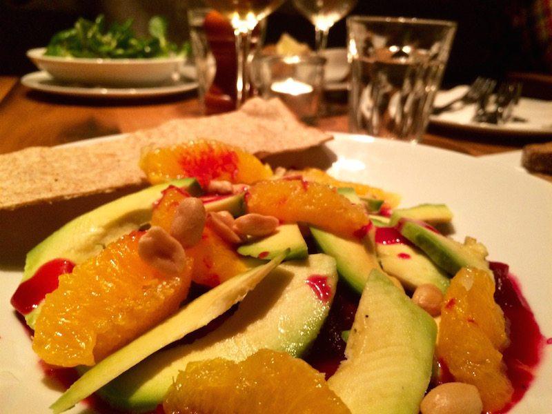 avocado-salat-vegan-ulrich-restaurant-wien