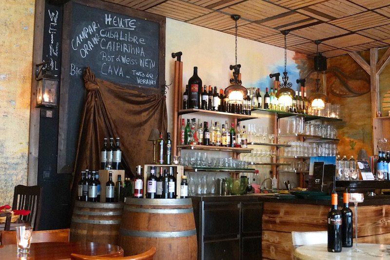 berlin-restaurants-rodolfos-tapas-bar-einrichtung-2