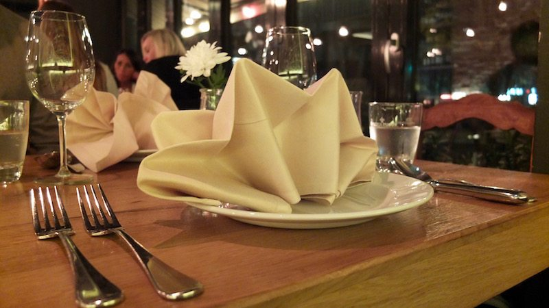berlin-restaurants-italiener-trentasei-tisch-1
