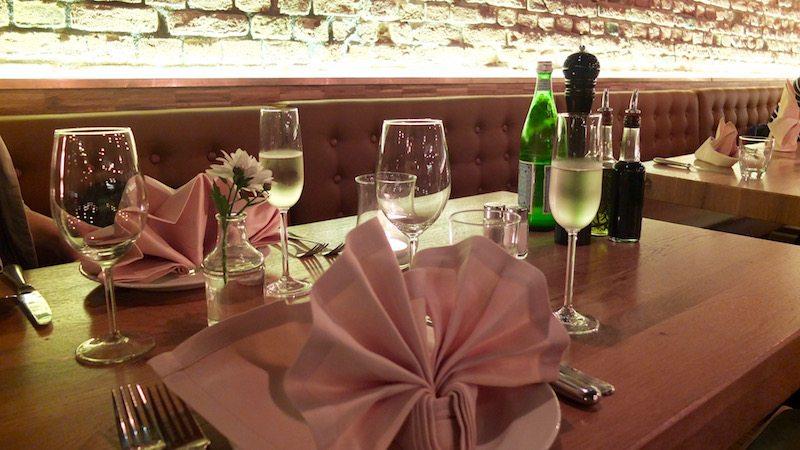 berlin-restaurants-italiener-trentasei-tisch-2