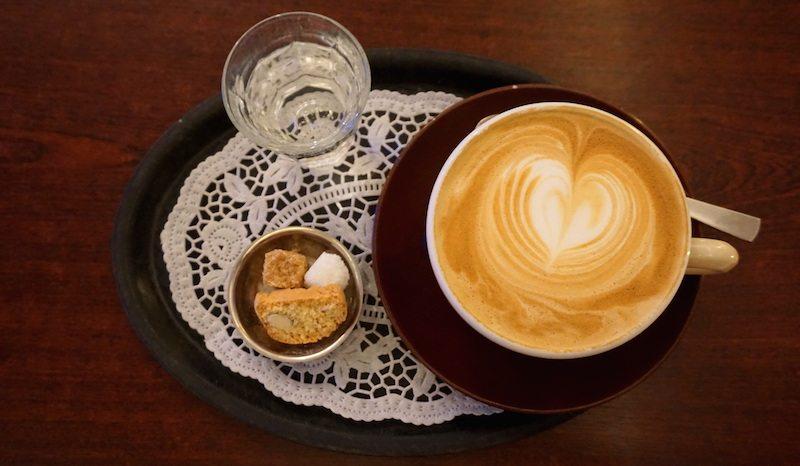 Berlin-Berliner-Kaffeerösterei-Café-Latte