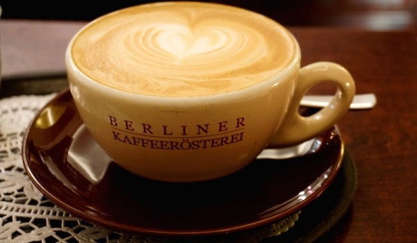 Berlin-Berliner-Kaffeerösterei-Café-Latte-2