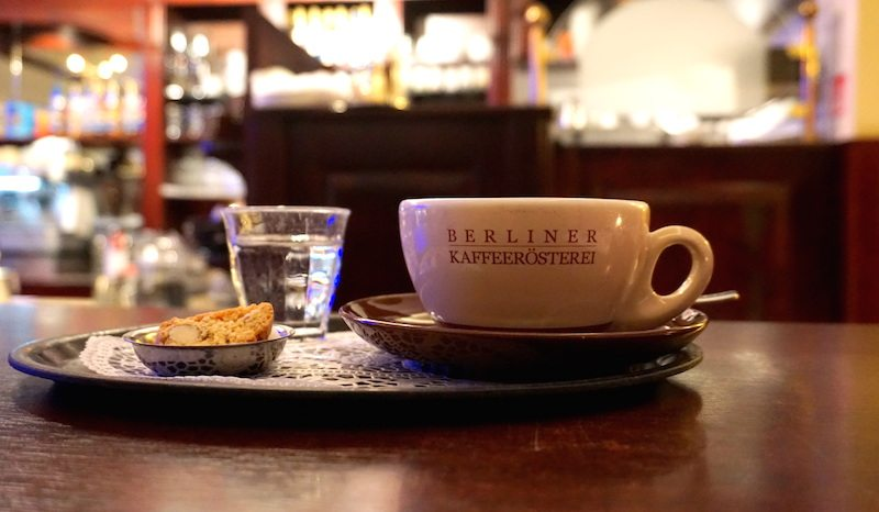 Berlin-Berliner-Kaffeerösterei-Café-Latte-3