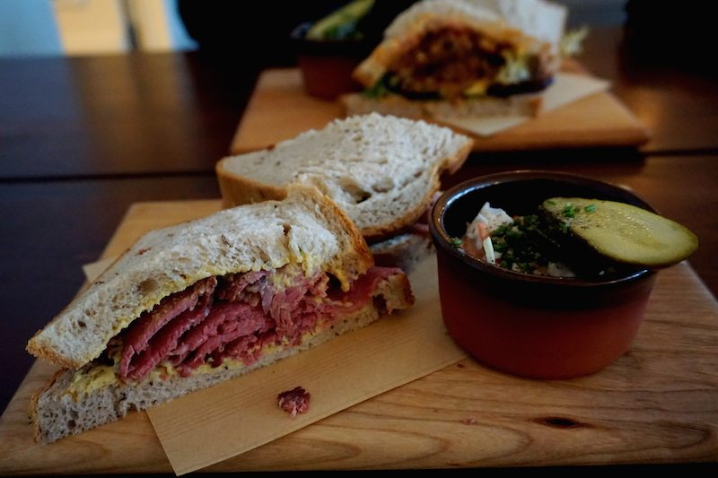 Berlin-Mogg-Pastrami-Sandwich