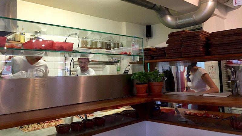berlin-pizza-zia-maria-kueche