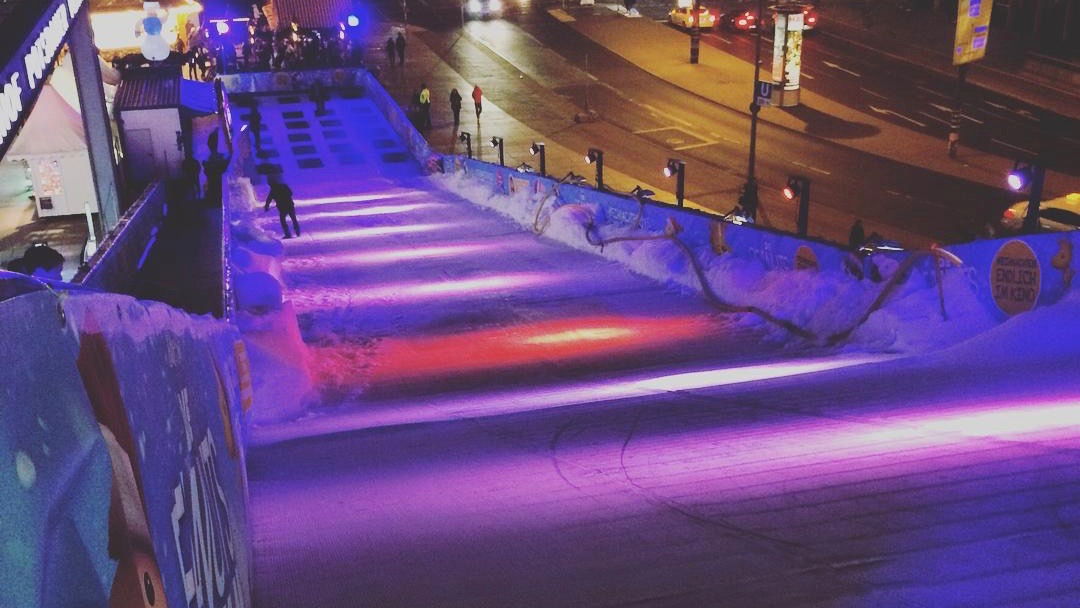berlin potsdamer platz weihnachtsmarkt rodelbahn