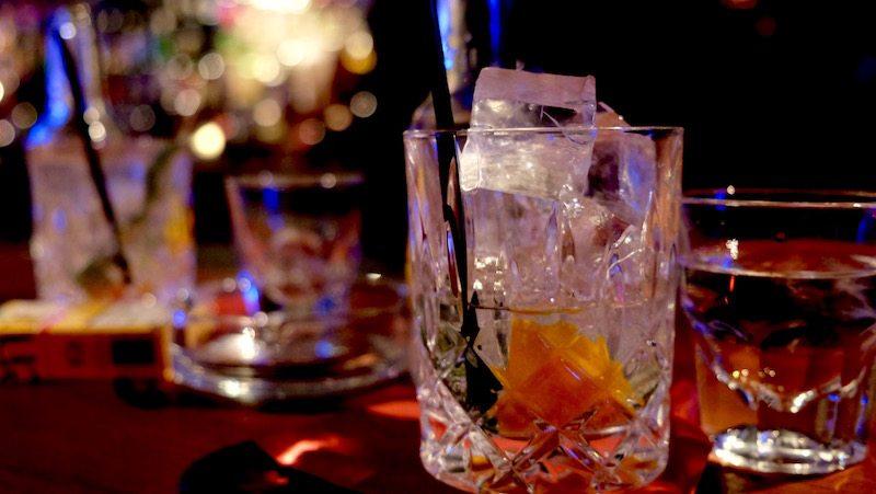 berlin-bar-the-hat-jazzbar-laden-gin-tonic-1