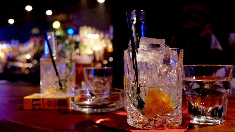 berlin-bar-the-hat-jazzbar-laden-gin-tonic-2