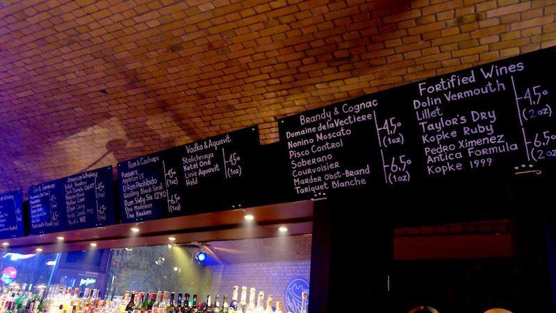 berlin-bar-the-hat-jazzbar-laden-karte