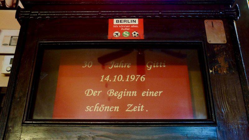 berlin-bars-eckkneipe-gittis-bierbar-einrichtung-7