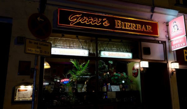 berlin-bars-eckkneipe-gittis-bierbar-laden