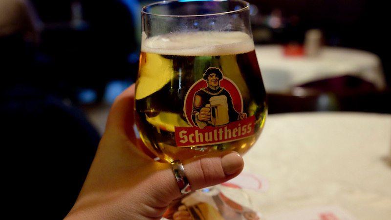 berlin-bars-eckkneipe-gittis-bierbar-schultheiss-1