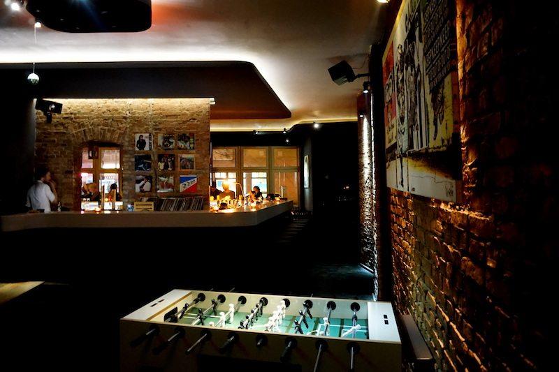Berlin-Booze-Bar-Friedrichshain-Kicker