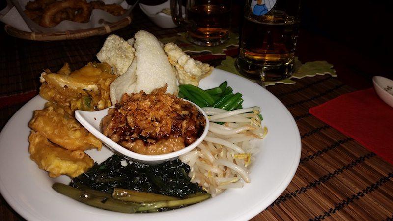 berlin-restaurants-warong-mie-vegane-vorspeise
