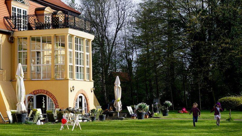 Brandenburg-Havelschloss-Garten