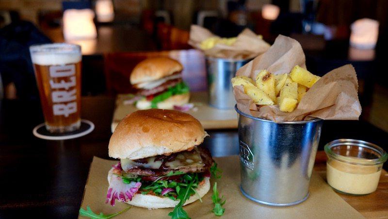 berlin-burger-hirsch-und-eber-klassik-burger-2
