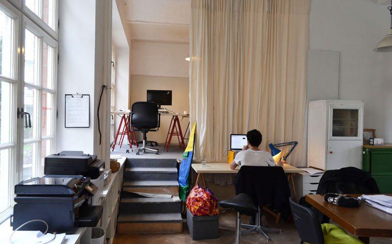 Berlin-Coworking-Space-Neukölln-Agora-Vibrant Floor
