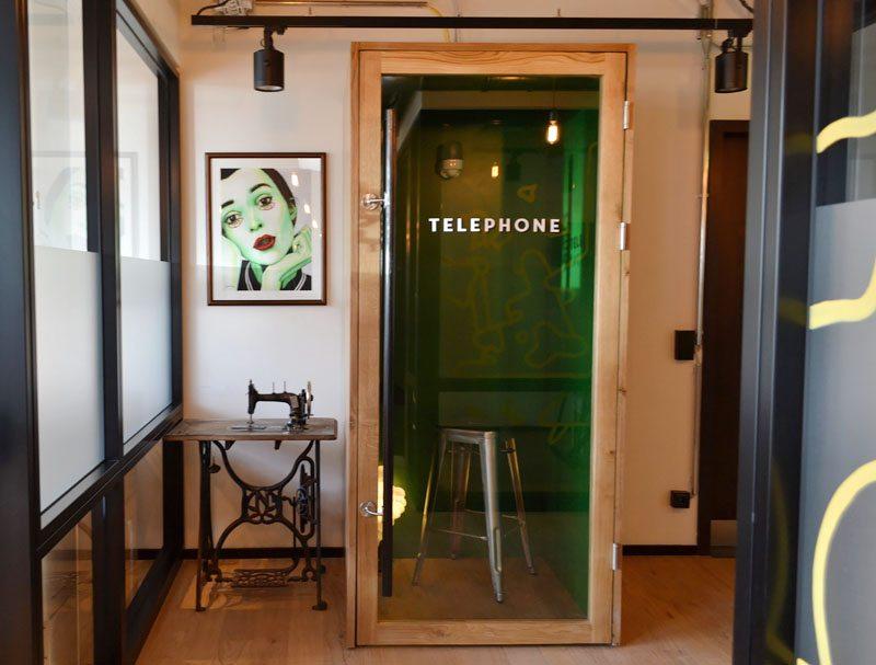 Berlin-Mindspace-Coworking-Spaces-Mitte-Telefonbox