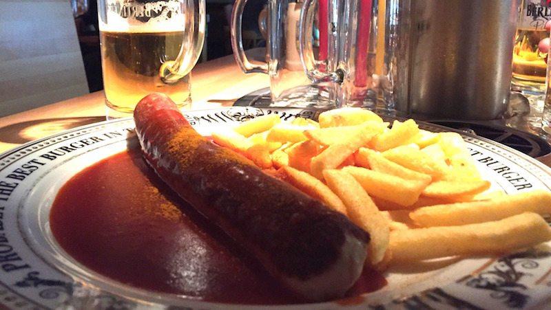 Berlin-The-Pub-Alexanderplatz-Currrywurst