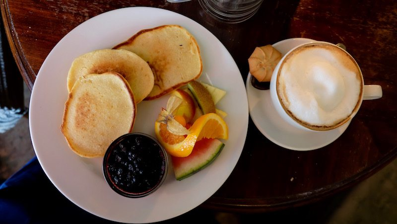 berlin-cafe-beakers-brunch-pancakes-1