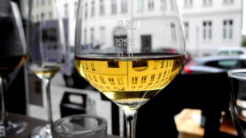 berlin-restaurants-mauerwinzer-wein