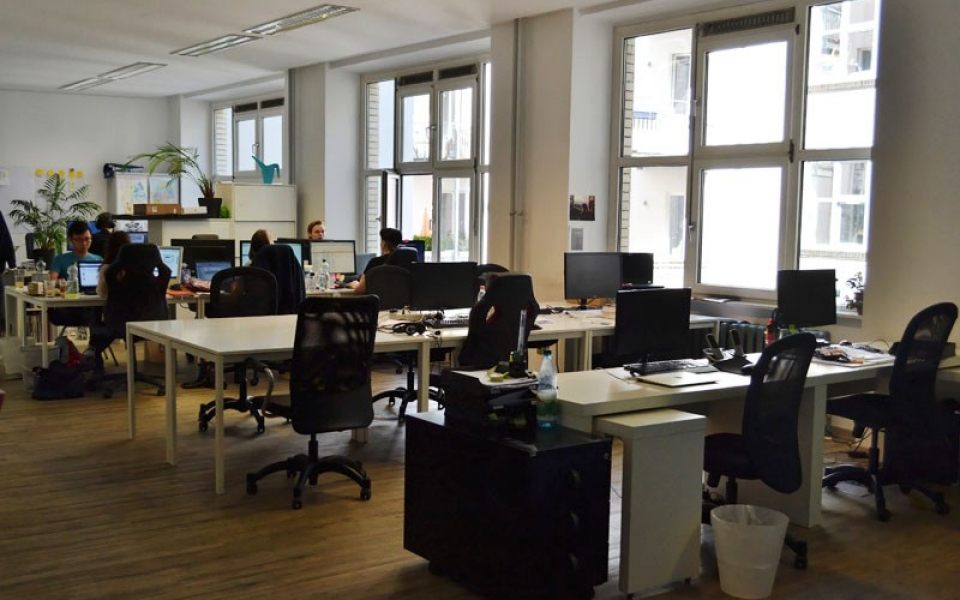 Berlin-Table of Visions-Coworking-Spaces-Mitte-Desks