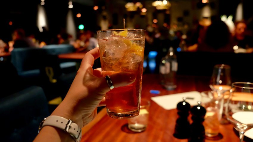 berlin-restaurants-crackers-gin-cocktail-1