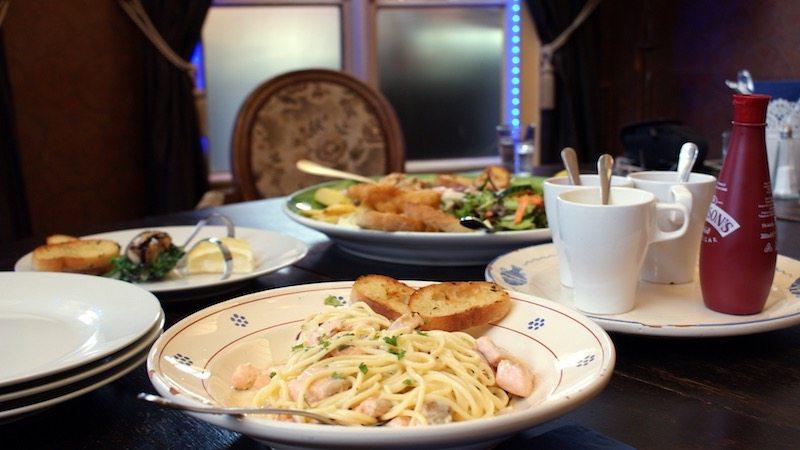 berlin-restaurants-der-fischladen-pasta-lachs