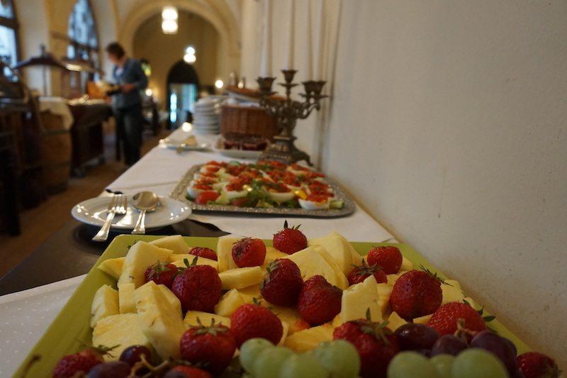 Brandenburg-Schlosshotel-Fürstlich-Drehna-Frühstück-Obst