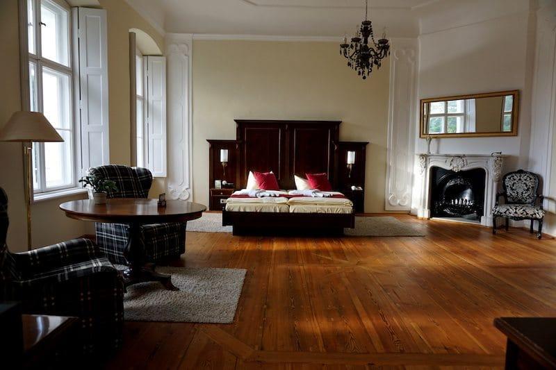 Brandenburg-Schlosshotel-Fürstlich-Drehna-Juniorsuite-Zimmer