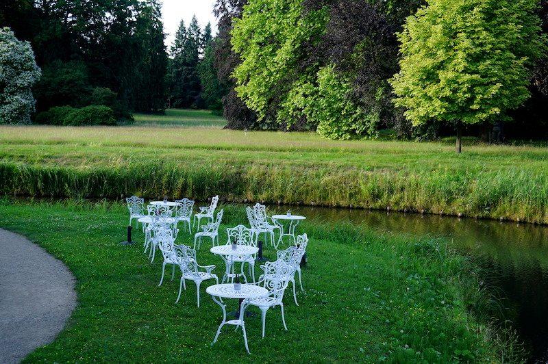 Brandenburg-Schlosshotel-Fürstlich-Drehna-Sitzplätze-Garten