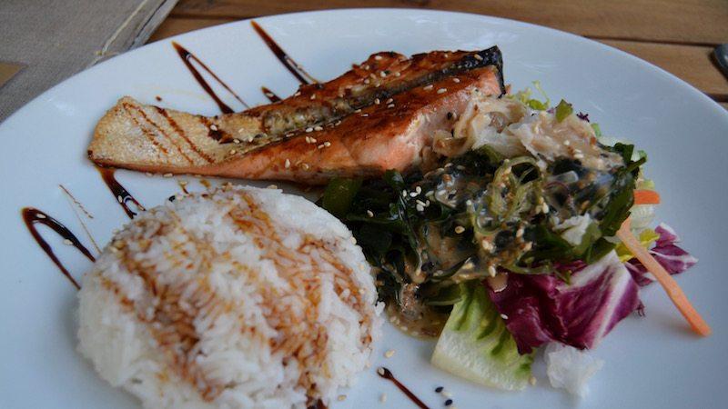 berlin-restaurant-vinpearl-cá-hoi-nuong