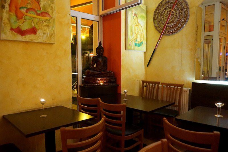 Berlin-Sigiriya-Restaurant-Sri-Lanka-Inneneinrichtung