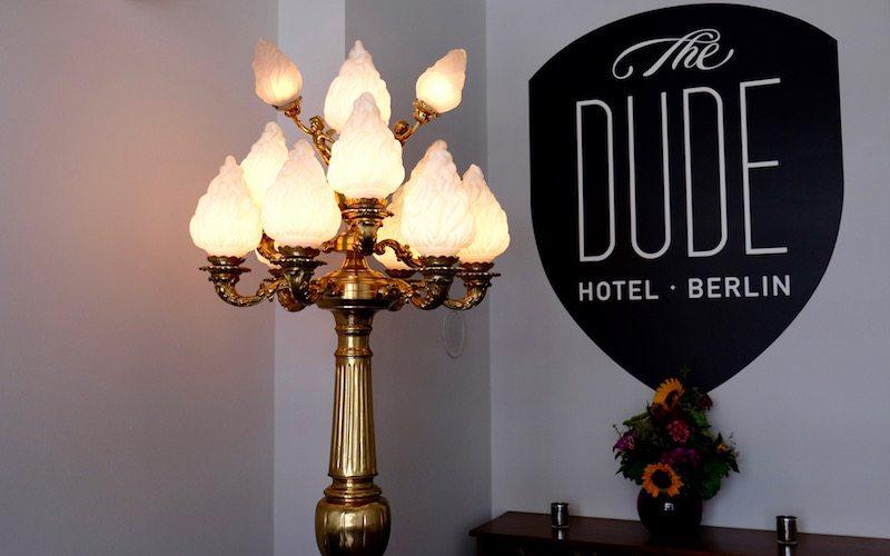 berlin-hotel-the-dude-eingangsbereich-deko-1