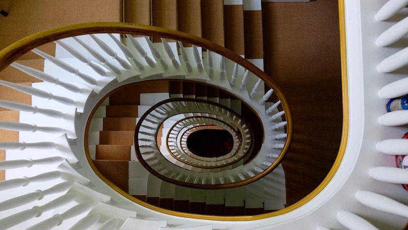 berlin-hotel-the-dude-einrichtung-treppe