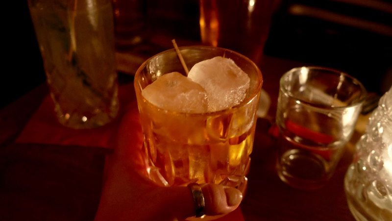 berlin-bar-weserkrug-drinks-old-fashioned-2