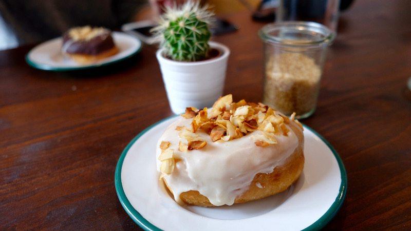 berlin-cafe-brammibals-donuts-1